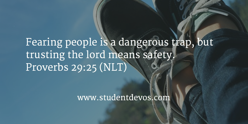 Daily Devotion on Fearing Others with Bible Verse